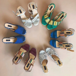 La elegancia de una mujer es el calzado qué usa en sus pies ✨  ¿Cuál elegirías?✨  #sábatesshoes #shoesaddict #shoeslover #colombia #usa