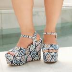 ¡Nuestra nueva colección está lista para que puedas hacer tu orden! ⭐️  Con estilos y estampados con el sello neto de Sábates, lo que más caracteriza a nuestra marca: formas y colores.  Ainhoa Blue es un #must en tu colección.  Para mayor información, escríbenos al número de WhatsApp 📱 +57 316 6956781 o al DM  #sábatesshoes #shoes #dreamshoes #sabatesgirls #estilo #looks #new