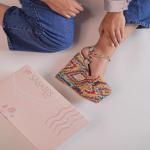 ¡Un detalle especial, siempre será un buen par de Sábates! ✨  Y por eso, cuidamos todos los detalles del packaging. Para que los estilos sean presentados de manera perfecta💗  ¿También le das importancia a este tipo de temas en las marcas?🤔  Para mayor información, escríbenos al número de WhatsApp 📱 +57 316 6956781 o al DM  #sábatesshoes #shoes #dreamshoes #paraisodecolores #prints